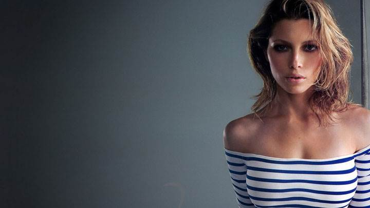 Jessica Biel In White And Blue Dress Looking Front Photoshoot